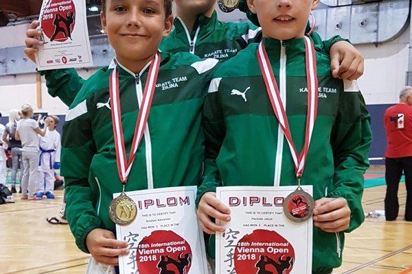 Zľava: Alex Broďani, Tomáš Králik a Jakub Pechota.