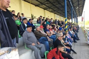 Diváci na derby Málinec - Santrio.