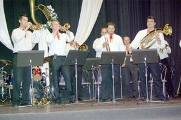 V Rovniach sa stretlo osem najlepších malých dychových hudieb na Slovensku.