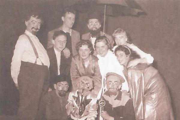 Z archívu ochotníckeho divadla do Vrútkach.