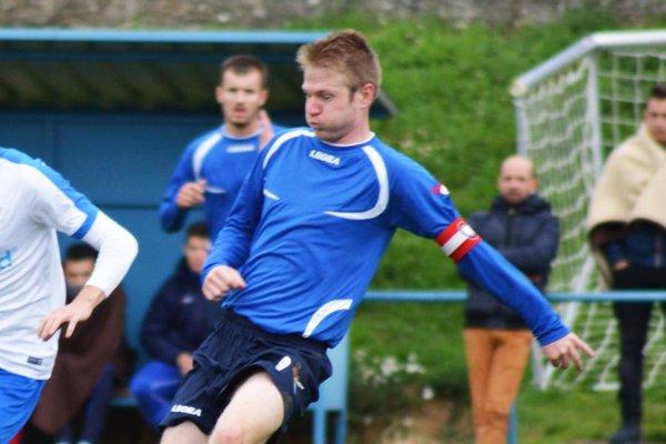 Futbalisti Ivanky sa tešili z výhry takmer po dvoch mesiacovh. Skóre otvoril kapitán Matej Guzmický.