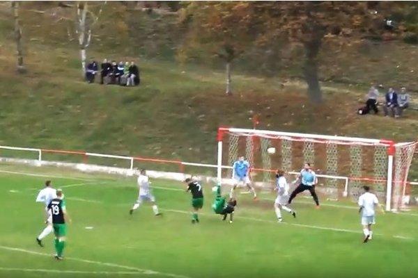 Vo Veľkých Lovciach padol v nedeľu nádherný gól.