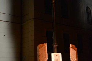 Lampa, ktorá sa ako jediná zachovala z pôvodného osvetlenia