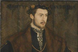 Albrecht V. Bavorský (1528 – 1579, bol bavorský vojvoda od roku 1550 do svojej smrti. Preslávil sa aj ako mecenáš a zberateľ umenia, ktorý položil základ dnešnej štátnej zbierky antického umenia v Mníchove. Sám patril medzi pohľadných a často portrétovaných mužov.