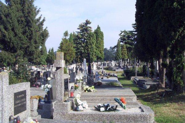 Cintoríny sú pietnymi miestami