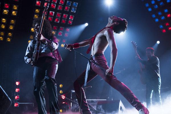 Rami Malek v úlohe Freddieho Mercuryho