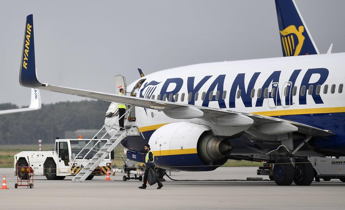 6c265a801bbac Nízkonákladovka Ryanair vykázala stratu, podpísali sa pod to nižšie ...