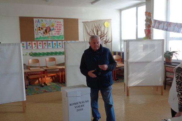 Pri výbere poslancov v Šali sa voliči rozhodujú podľa rôznych kritérií.