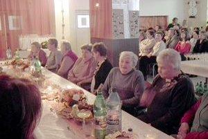 Stretnutia sa zúčastnili súčasní i bývalí zamestnanci zariadenia.