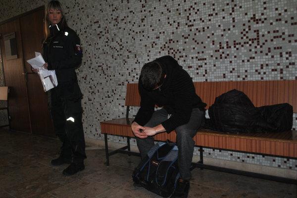 Moldavčan na krajskom súde, čaká na verdikt o predbežnej väzbe.
