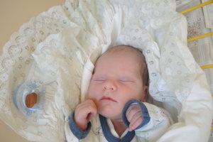 Tomáš Peniak (3130g, 49cm) sa narodil 4. novembra Emme a Tomášovi zo Zbory.