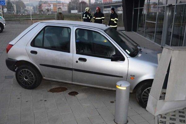 Zaparkoval nešťastne, potom nafúkal.
