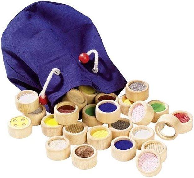 GOKI Hmatová hra II – rôzne povrchy v bavlnenom vrecúšku.