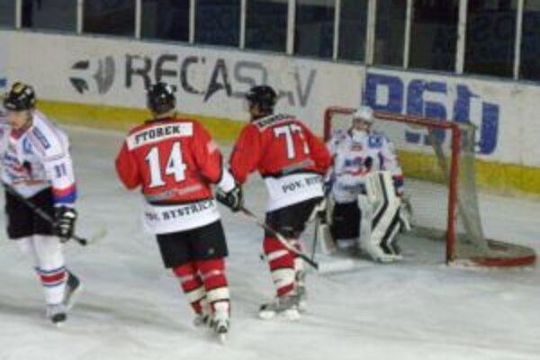 Konečný (77) po dlhom čase nastúpili opäť za Pov. Bystricu a dvoma gólmi prispel k výhre nad L. Mikulášom.