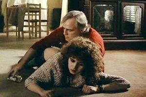 Marlon Brando a Maria Schneiderová v Bertolucciho filme Posledné tango v Paríži.