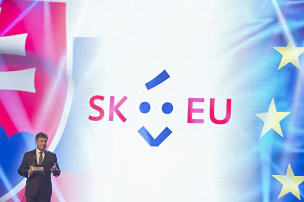 Miroslav Lajčák počas oficiálneho predstavenia loga slovenského predsedníctva v Rade Európskej únie.