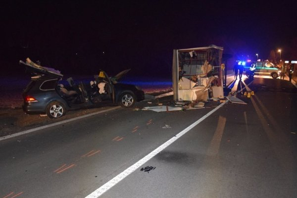 Pri nehode prišiel o život vodič.