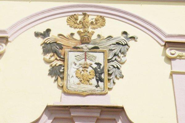 Liptovský erb je dodnes na priečelí bývalého stoličného domu v Liptovskom Mikuláši.