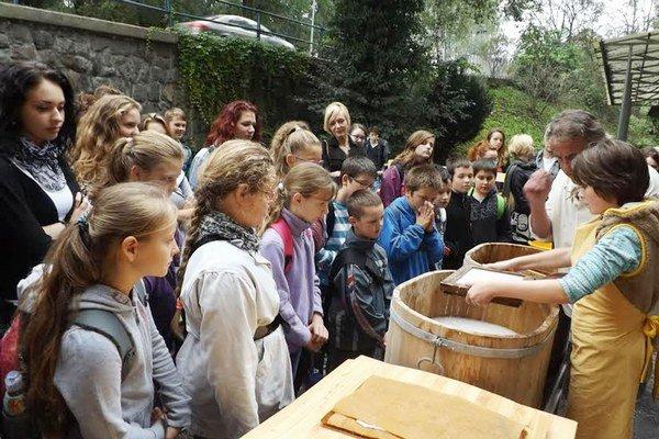 Výroba papiera sa neodmysliteľne spája s históriou Ružomberka.