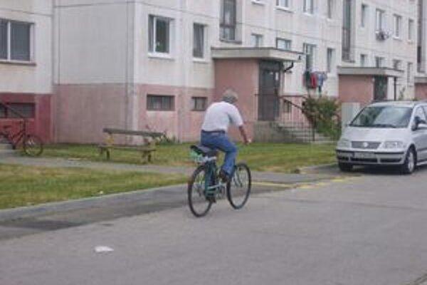 Cyklista pokračoval v jazde v protismere.
