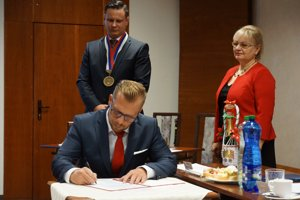 Poslanec Roman Matoušek získal post vicestarostu.