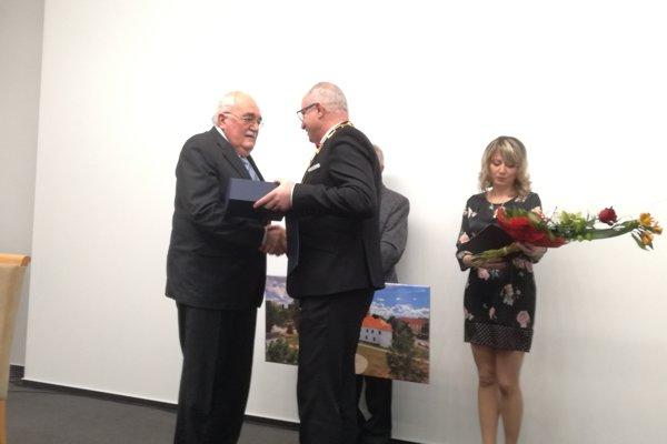 Svetozár Hikkel sa stal novým čestným občanom Šale.