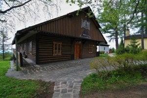 Vernisáž výstavy Helmut Bistika, Anjeli s tí druhí začne o 16.00 vo Vile Flóra.