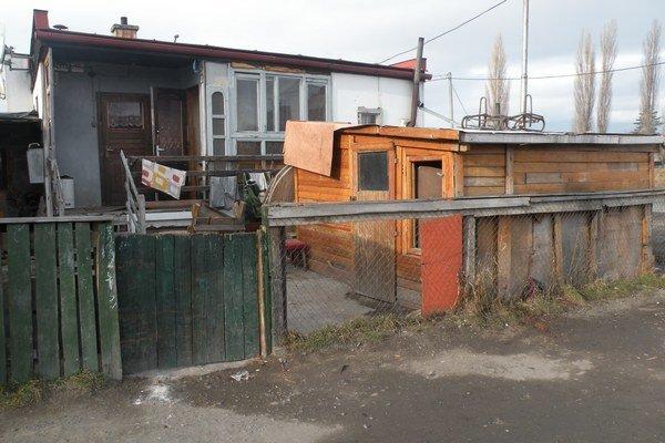 Nahradiť ich mala ďalšia bytovka. Nový poslanecký zbor zámer jej výstavby zatrhol.
