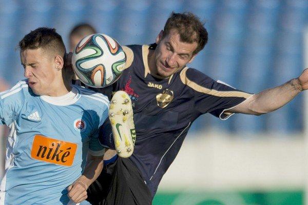 Martin Boszorád ešte ako hráč Nitry v zápase ŠK Slovan Bratislava - FC Nitra.