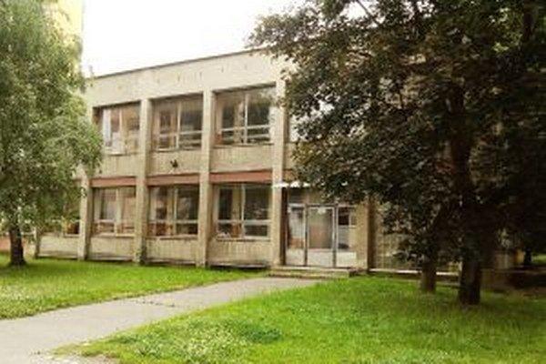 Oprava budovy by bola drahá, preto ministerstvo zvažuje aj inú možnosť, kde by mohlo byť klientske centrum.