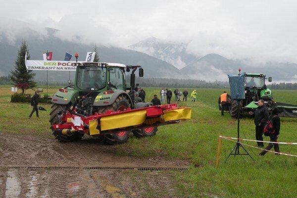 Na tradičnom Dni poľa predstavili najmodernejšiu farmársku techniku.