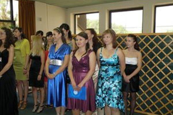 Diplom si prevzali aj bakalári, ktorí študovali odbor environment a chemické technológie.