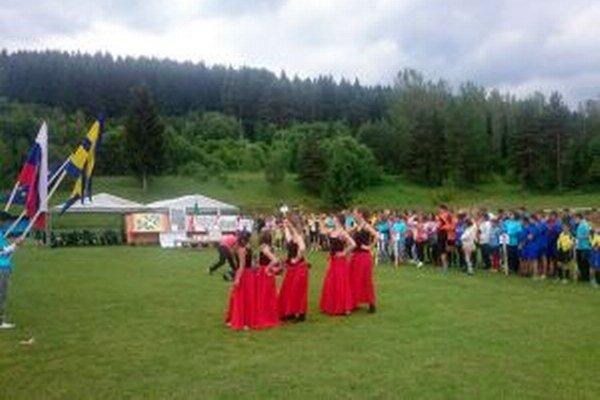 Do Hýb na celoslovenské loptové hry prišlo stopäťdesiat detí z detských domovov.