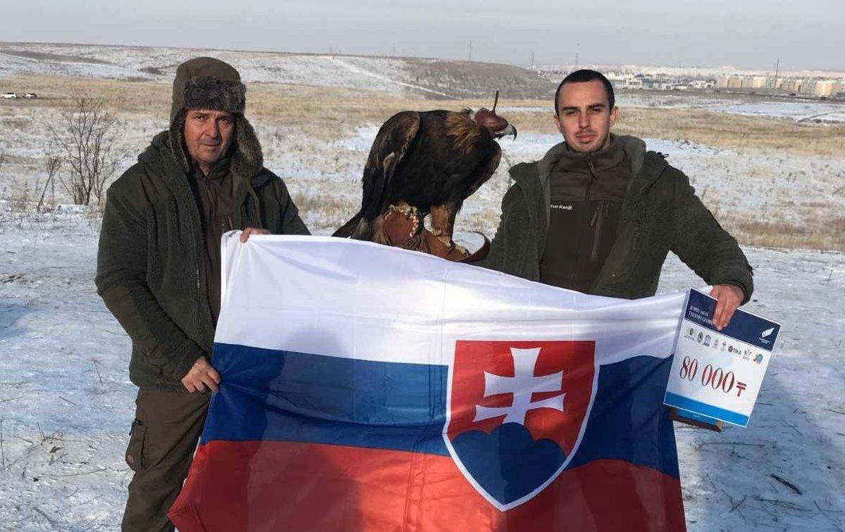 cee81d8b0499 Otec a syn Kanátovci poriadne zviditeľnili našu krajinu v Kazachstane.