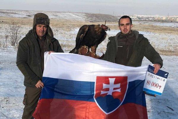 Otec a syn Kanátovci poriadne zviditeľnili našu krajinu v Kazachstane.