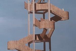 Takáto vyhliadková veža by mohla byť nad Trstenou.