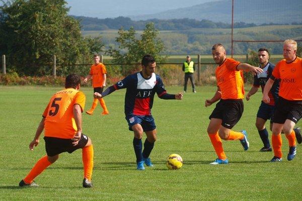Krajskú futbalovú ligu si zahrajú aj štvrtoligové Topoľany.