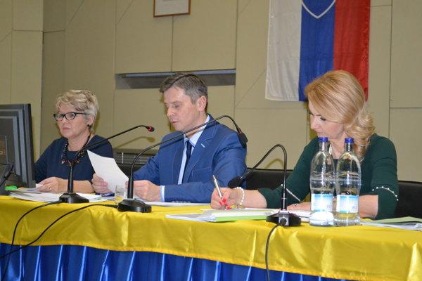 Primátor Miloš Meričko na rokovaní mestského zastupiteľstva informoval o stave úradu a hospodárení.