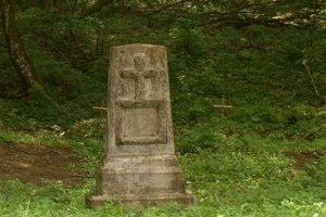 Pôvodný pamätník na archívnej fotografii.