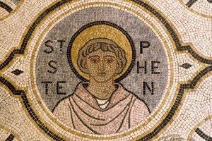 Sv. Štefan bol prvým mučeníkom.