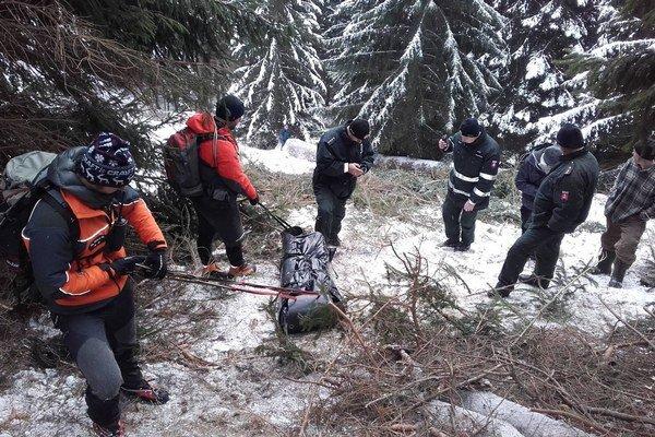 Na mieste boli horskí záchranári, polícia aj rýchla zdravotná služba.