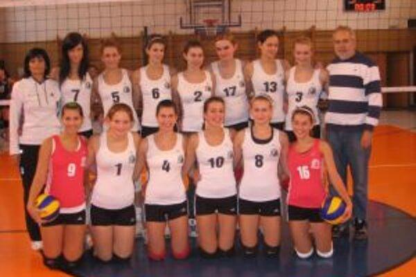 Kadetky ŠŠK OA Pov. Bystrica obsadili na majstrovstvách Slovenska štvrté miesto.