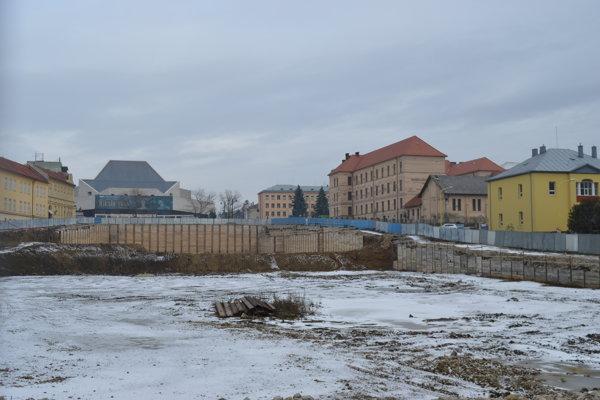 Zbúrané Tesco má nahradiť nové obchodné centrum Forum.