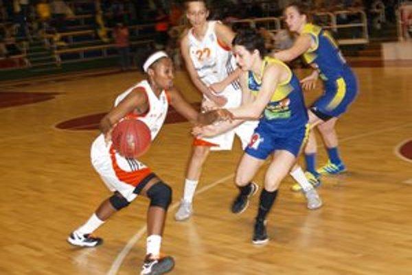 V druhom finálovom stretnutí play – off o titul zdolali ružomberské basketbalistky Good Angels Košice