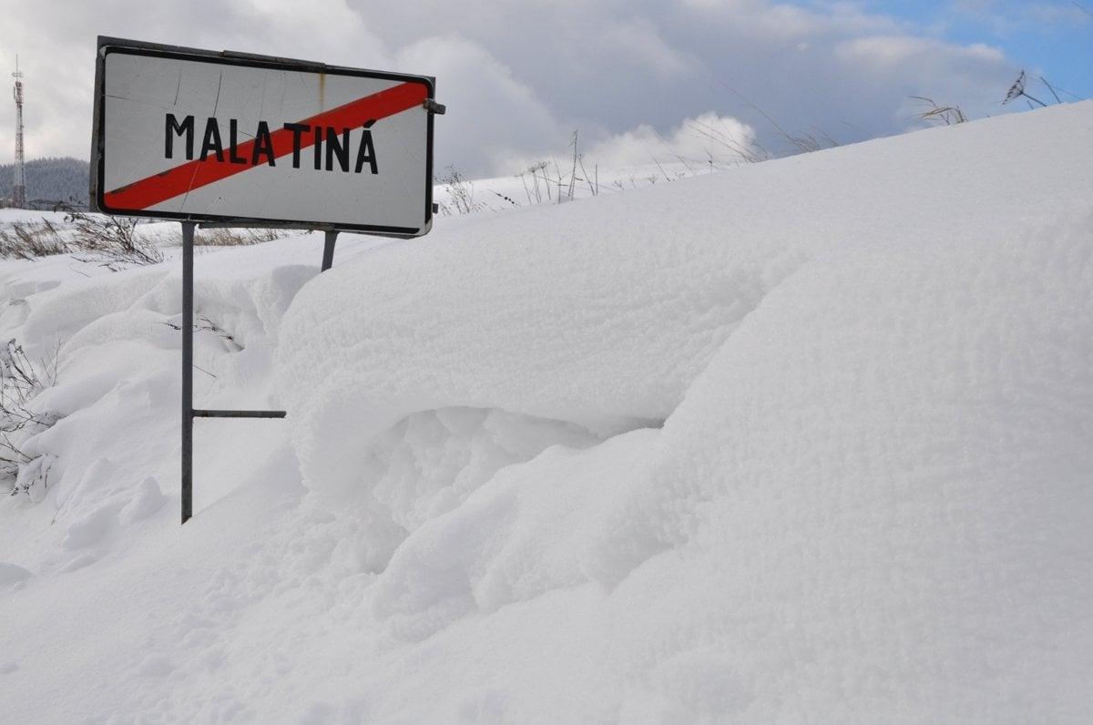 e43559698 Na niektorých miestach na severe Slovenska napadlo vyše 80 cm snehu.