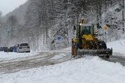 Cestári majú v týchto dňoch v Terchovskej doline plné ruky práce.
