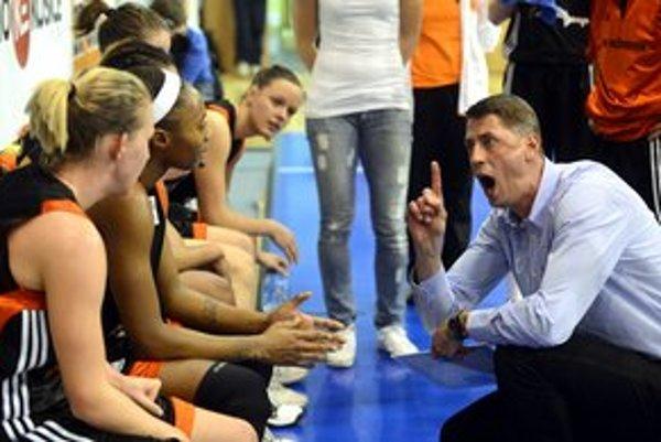 Ocenenie si prebral aj tréner úspešného ružomberského basketbalového tímu.