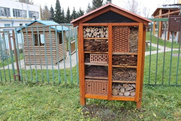 Domček pre užitočný hmyz