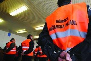 Občianske rómske hliadky by mali prispieť k znižovaniu drobnej kriminality aj vďaka tomu, že ich členovia budú priamo z problémových komunít.