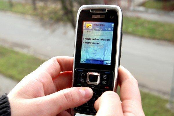 Hrádocká radnica by technické problémy so starým rozhlasom vyriešiť práve rozhlasom cez sms.